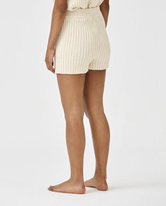 shorts-woman-no33-natural-4-966x1200_blogg